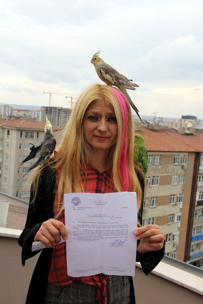 Kayseri'de papağan ile ücretli hatıra fotoğrafına zabıta müdahalesi
