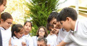 Milli Eğitim Bakanı Ziya Selçuk, Köpek Pergel ve Öğrencilerin fotoğrafı
